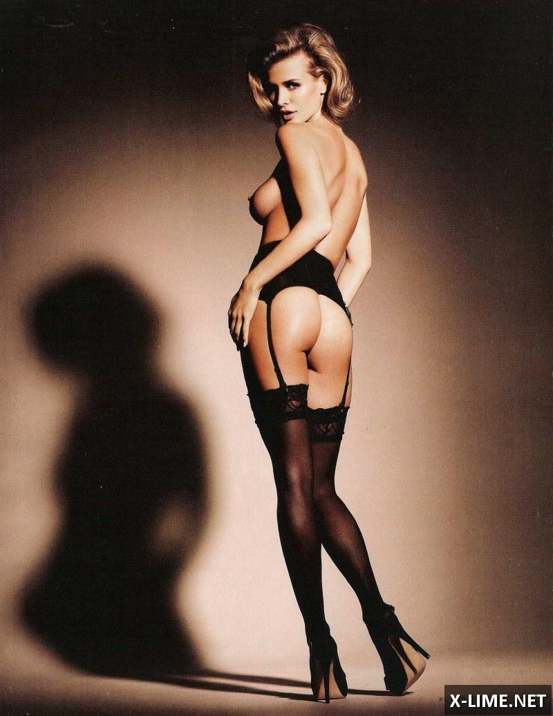Голая Джоанна Крупа в откровенной фотосессии журнала PLAYBOY