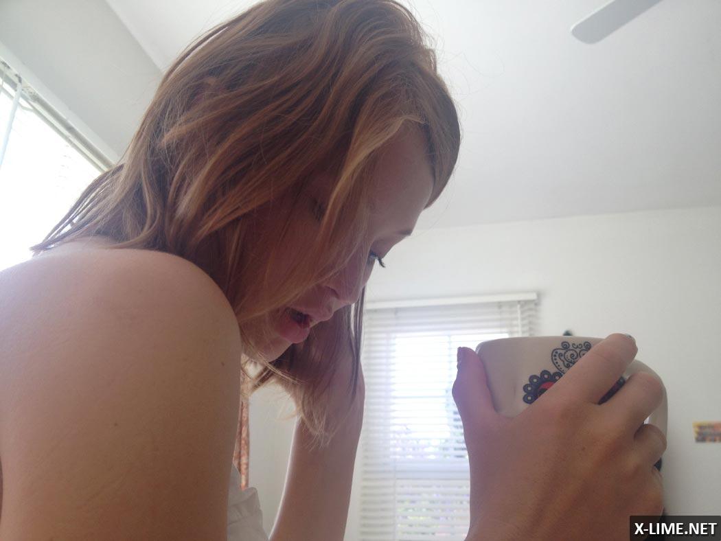 Украденные хакерами из iCloud фото голой Эмили Браунинг