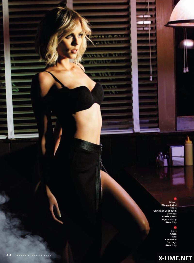 Голая Лора Вандервурт в эротической фотосессии MAXIM