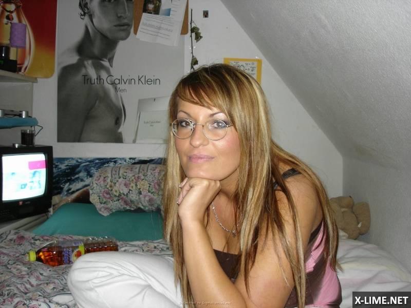 Домашнее блондинки в очках (25 ФОТО)