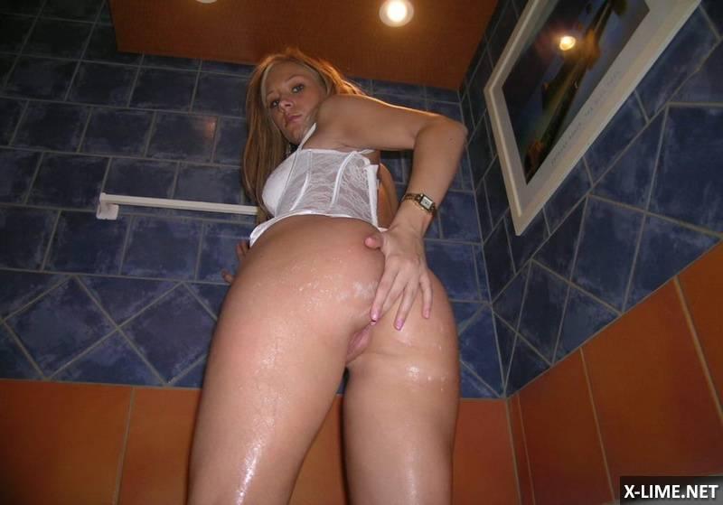 Личное развратной блондинки (15 ФОТО)