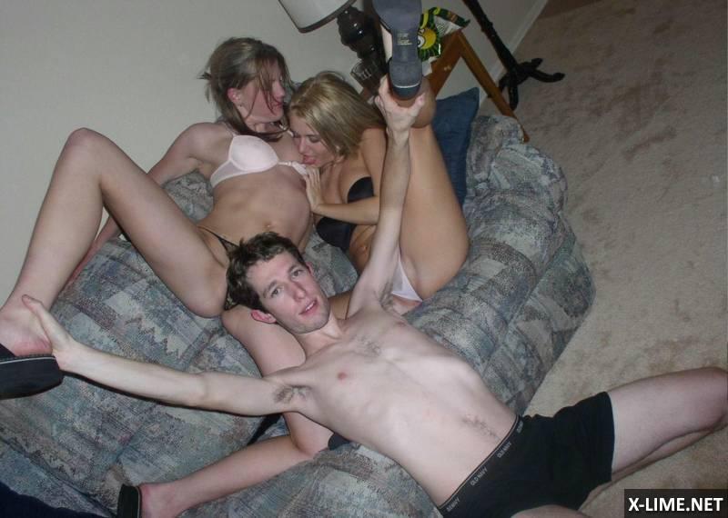 Домашнее с голой подругой на вечеринке (26 ФОТО)